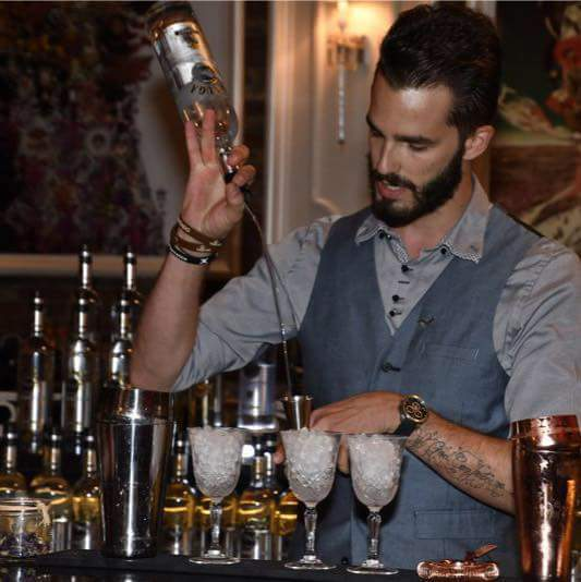 Bartenders at work by Infosbar : le CV express de Julien Vermont