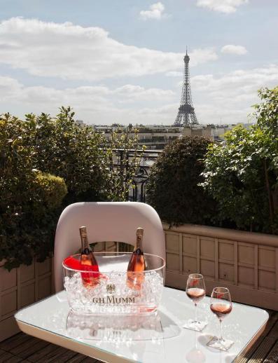 Icetail Mumm Rosé à l'hôtel Raphael