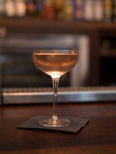 """Cocktail """"The Nude"""" // © Page Facebook Les Trophées Du Bar"""
