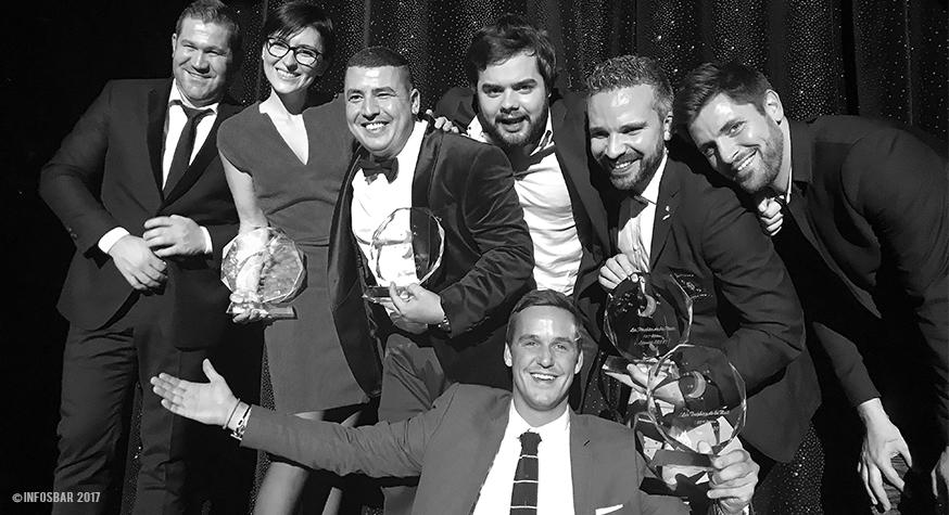 La joie des lauréats sur la scène des trophées de la Nuit au moulin Rouge