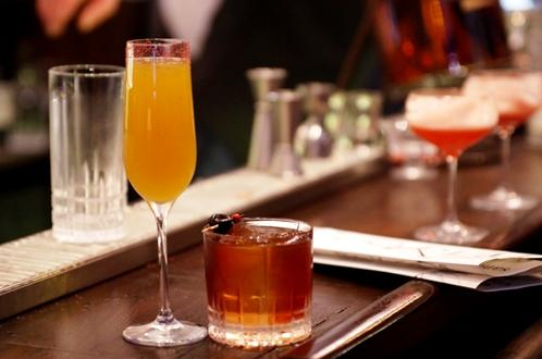 """Cocktail """"Roffignvm"""" à gauche // © Infosbar.com"""