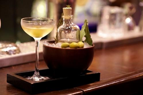 "Cocktail ""Dirty Martini"" // © Infosbar.com"