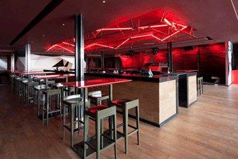 Le Bar Rouge par Naço Architectures à Shanghaï