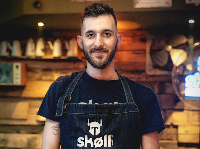 Contest Unknown Perfect Serve by Skoll : Iouri Kotov remporte la compétition
