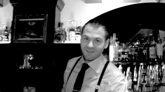 Joseph Biolatto , bartender au Forvm Paris