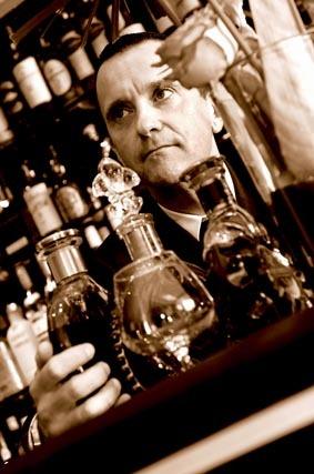 Olivier Pillon, responsable jour du bar Amiral - Martinez