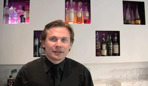 Mathieu le Feuvrier, chef barman de l'hôtel Holiday Inn Paris Notre Dame