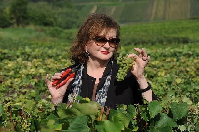 Catherine Jacob, marraine des vendanges 2011 du Champagne Nicolas Feuillatte