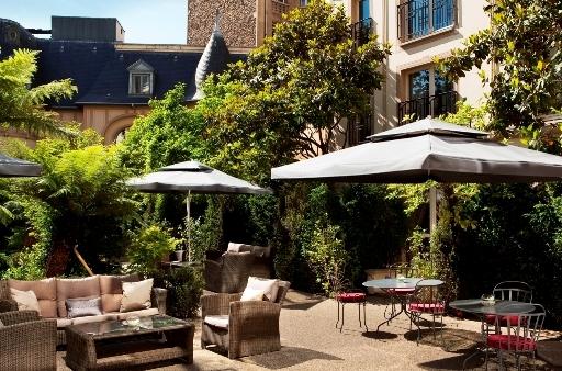 le bar gin de l h tel renaissance paris le parc trocad ro. Black Bedroom Furniture Sets. Home Design Ideas