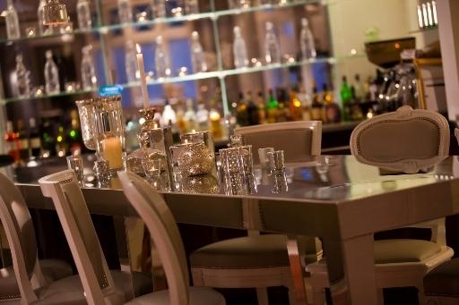 Bar à Gin de l'Hôtel Renaissance Paris Le Parc Trocadéro