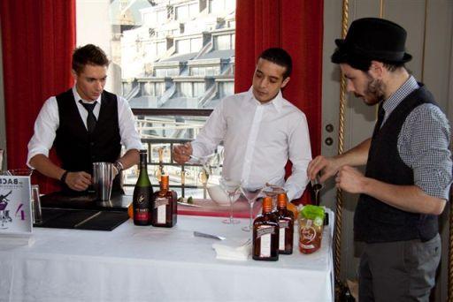 1 er prix du Public : Equipe 4 : Romain Krot (Expérimental bar), Emilien Jacquot (Au Bureau Boulogne) et Zakaria Iliani (Tsé)
