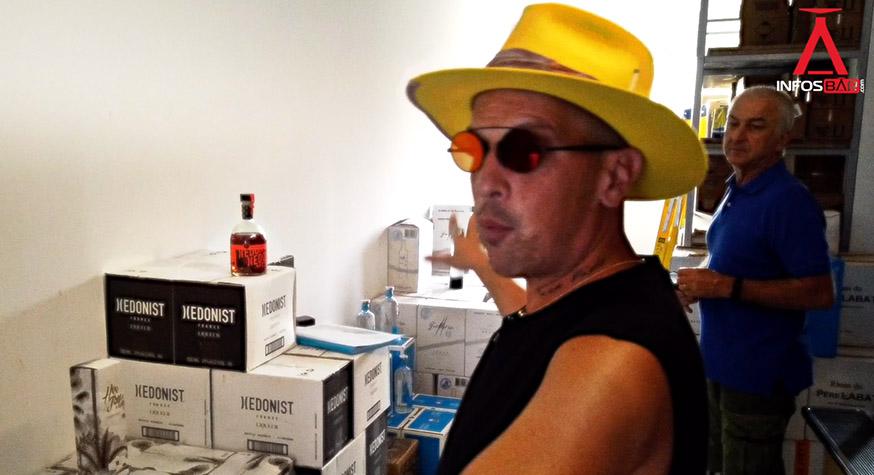 Johann Bouard et Alain Devaux dans les locaux de Bartender Provider à Gustavia (Saint-Barth)