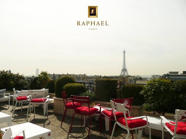 Terrasse de l'Hôtel Raphaël // Facebook Hôtel Raphaël