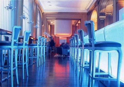 """Blue Hours"" au Bar du Plaza Athénée // (c)Plaza Athénée"