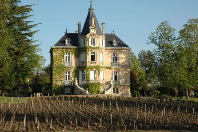 Quand Philippe Starck dessine un chai pour le Château Les Carmes Haut-Brion