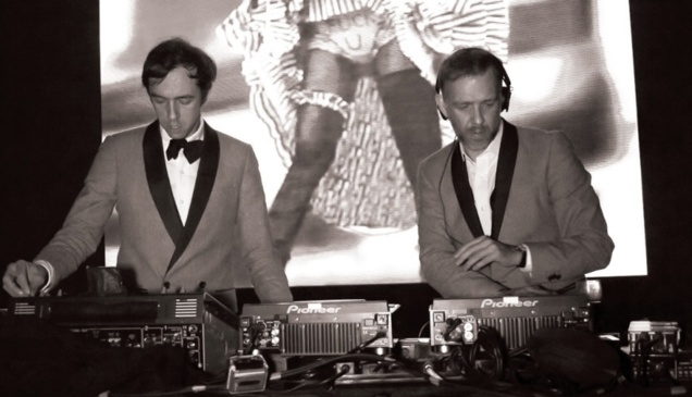 Unbottle Yourself et 2manydjs // © Unbottle Yourself