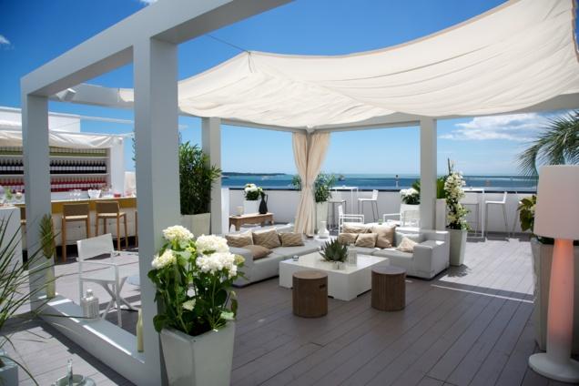Mouton Cadet Wine Bar : bar éphémère du festival de Cannes 2014 // DR