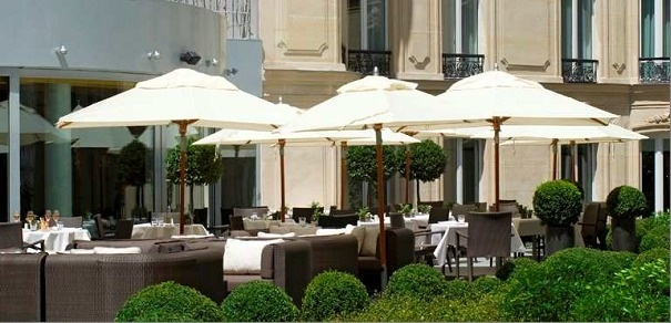 L h tel fouquet s barri re et ses 4 terrasses parisiennes - Decoration jardin terrasse paris ...