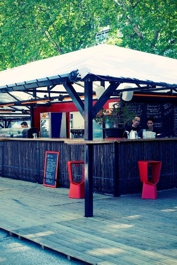 Bar de la Plage du Batofar // DR