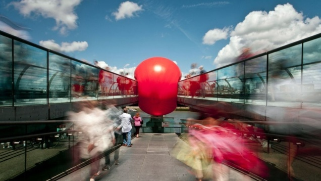 RedBall Project à Londres // © Tom Martin