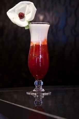 """Recette cocktail """"La rose de Monceau"""" by Vincent Roig // © Villa Maillot"""