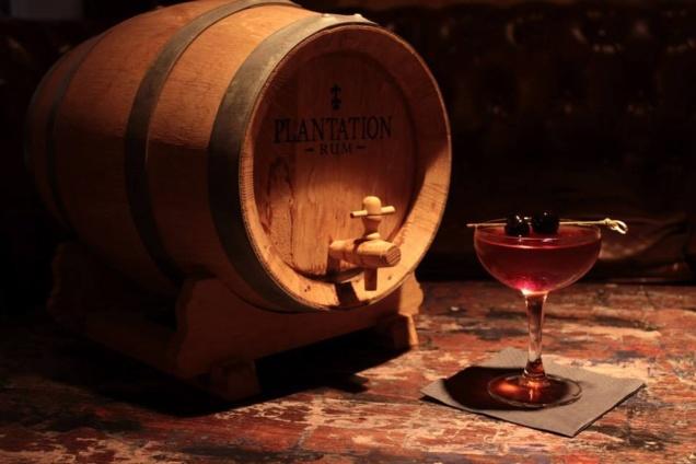 Cocktail Barrel Aged // © Marija Kmetov & Johan Barbarà