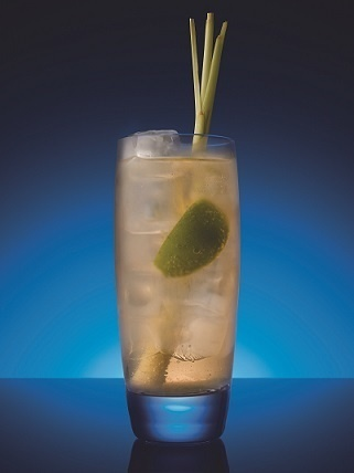 """Cocktail """"Bombay Sapphire Eastern Buck"""" // © Bombay Sapphire East"""