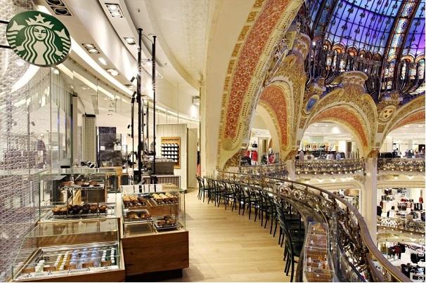 Starbucks aux Galeries Lafayette // © Yann Deret