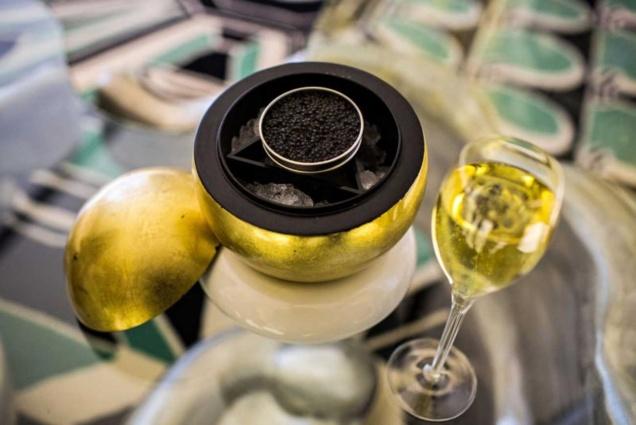 Bar à champagne et à caviar