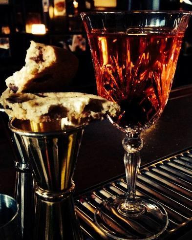 "Cocktail ""Cookie Sazerac"" // © Page Facebook Le Forvm"