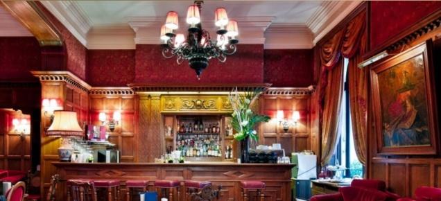le bar anglais de l u2019h u00f4tel rapha u00ebl