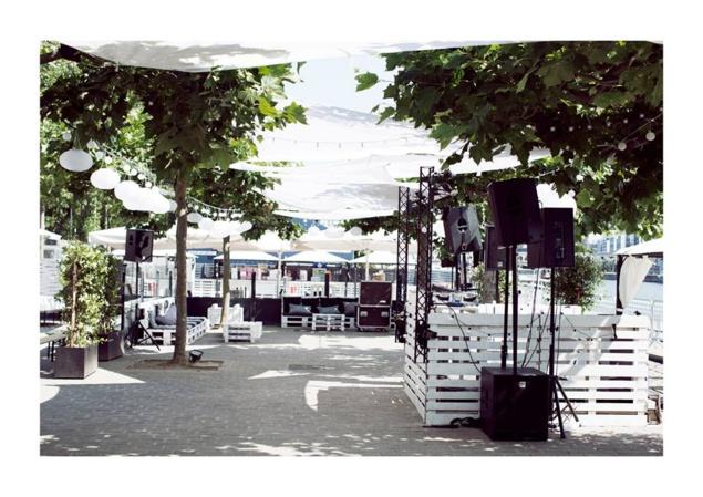 La Plage du Café Barge : terrasse récréative à Paris