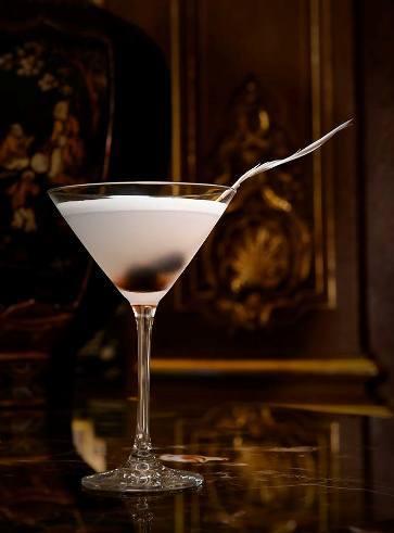 Cocktail Kléber // © Page Facebook The Peninsula Paris