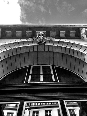 La façade des Bains quelques jours avant son aspect définitif