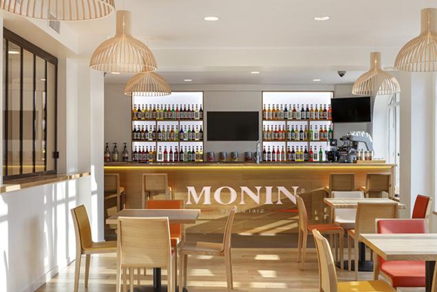 Le bar du 7ème Studio Monin - Paris