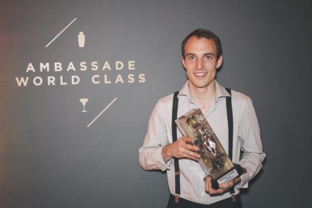Paul Silvers et son trophée