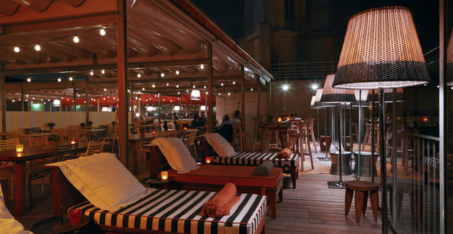 le nouveau rooftop du mamashelter bordeaux. Black Bedroom Furniture Sets. Home Design Ideas