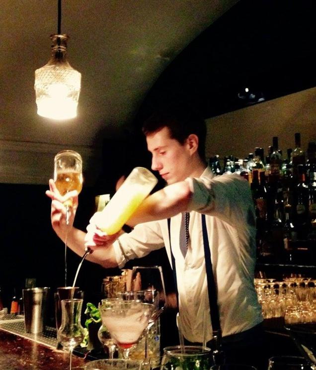 Bartenders at work by Infosbar : le CV express de Julien Péré