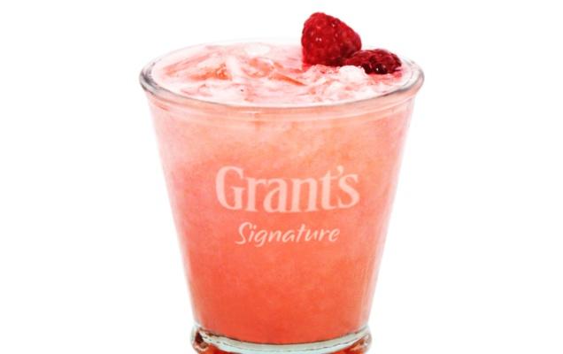 "Cocktail ""My Signature Sour Raspberry"" // DR"
