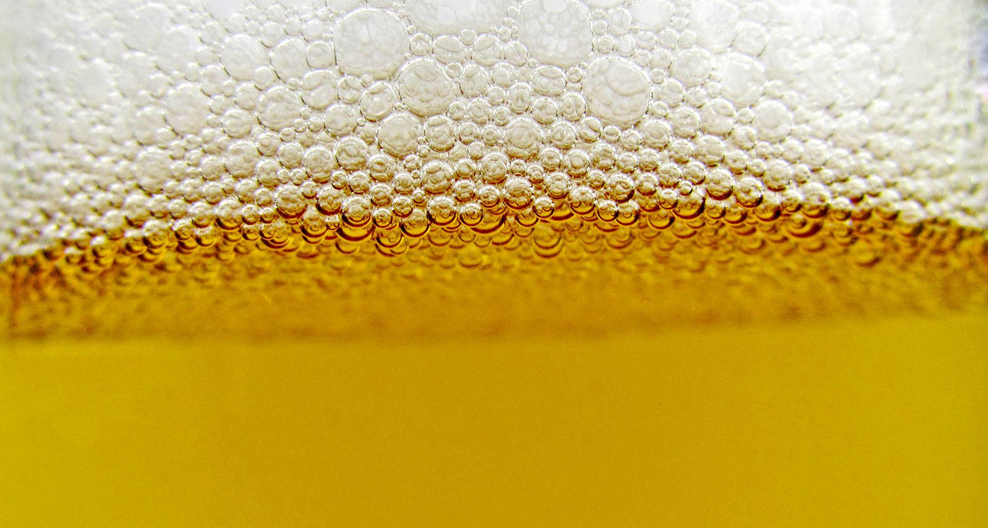 Alcool : tout vendeur devra désormais exiger la preuve de la majorité de son client