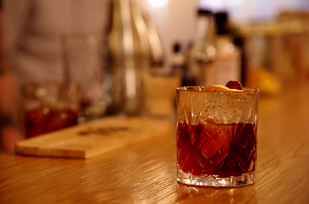 "Cocktail ""Smoking Negroni"" // © Infosbar.com"