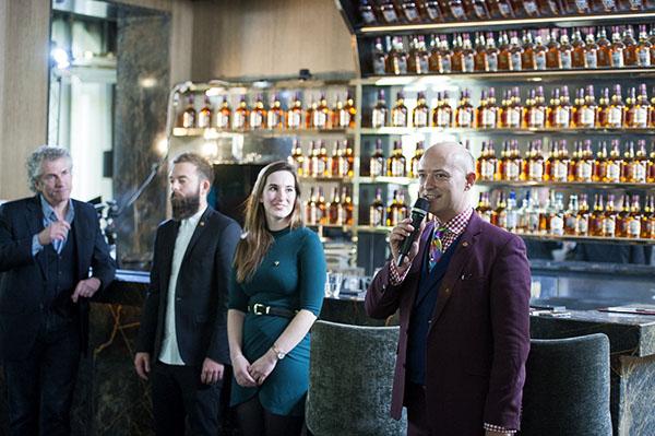 Le jury des Chivas Masters. Joshua T. Reynolds, Gary Sharpen, Jessica Gardner (pas jury) et Maximilian Warner