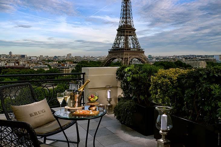 Le Bar à ciel ouvert by Krug au Shangri-La Hotel Paris