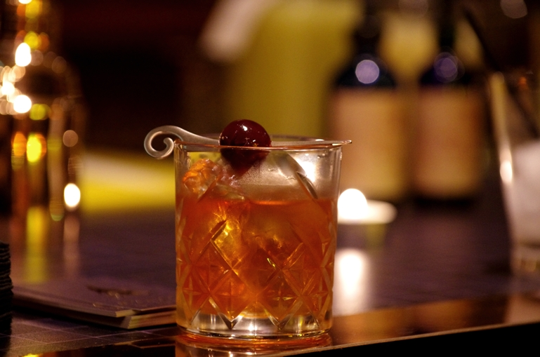 """Smoky Old Fashioned"" // © Infosbar.com"
