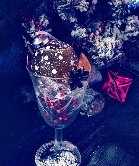 """Cocktail Signature """"Etoile de Noël"""" by Mathieu Gouret"""