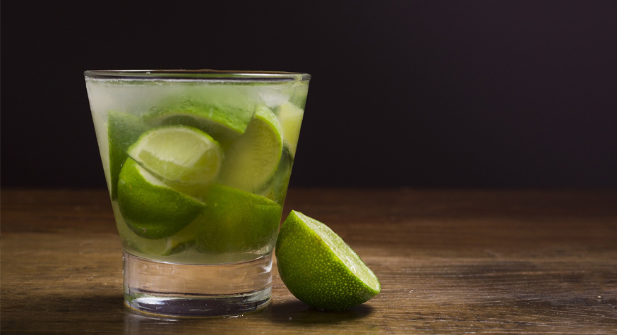 Caipirinha : la recette cocktail so Brasil by Aguacana