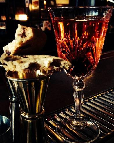 """Cocktail """"Cookie Sazerac"""" // © Le Forvm Bar"""