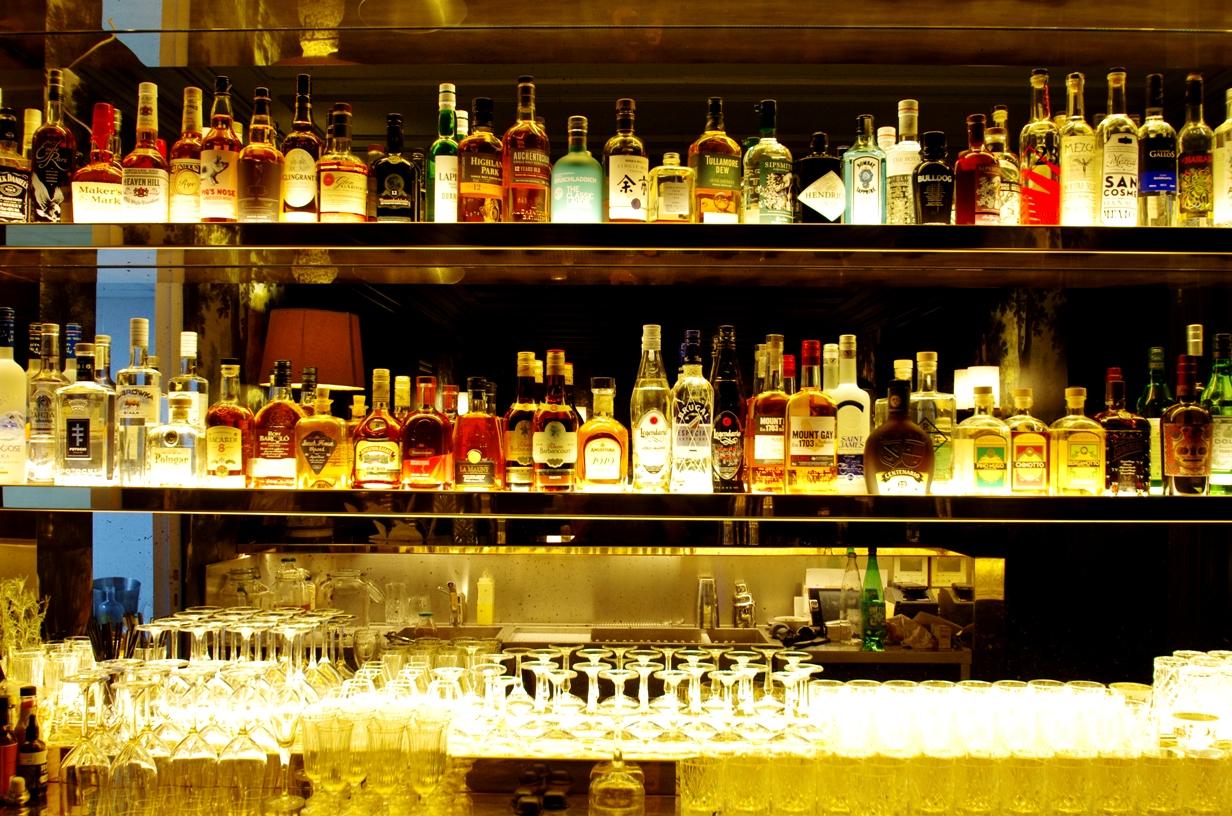 Le Très Particulier : ambiance tropicale et cocktails gourmands au bar de l'hôtel Particulier Montmartre