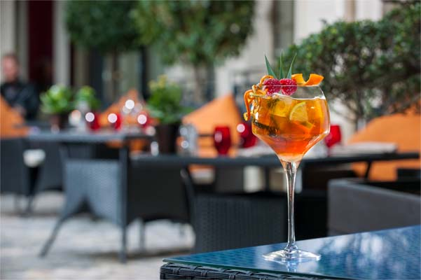nouvelle carte de cocktails au qu4tre le lounge bar du buddha bar hotel paris. Black Bedroom Furniture Sets. Home Design Ideas
