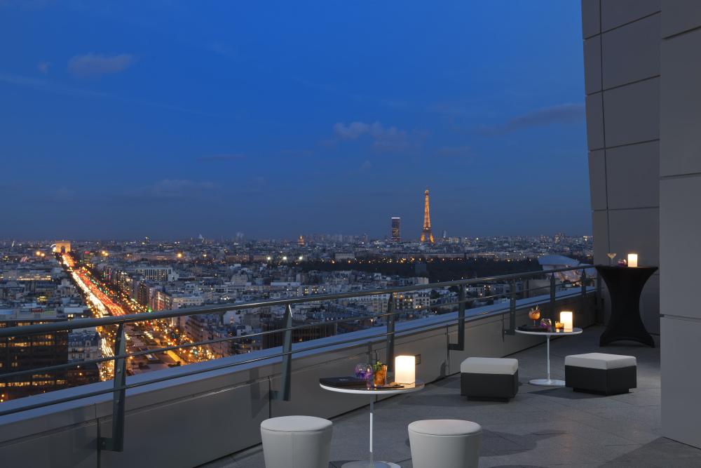 Skyline Bar & Lounge